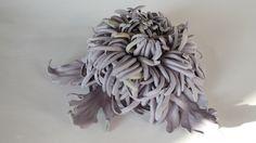 Leather chrysanthemum color lavender w Lela Flowers na DaWanda.com