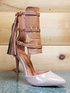 Nelly Dolores Cognac Pointy Toe Ankle Shield Pump Back Zip With Tassel 7-11