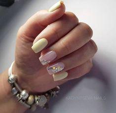 Choose from an Amazing Array of Nail Art Design Minimalist Nails, Bridal Nails Designs, Nail Art Designs, Cute Nails, Pretty Nails, Confetti Nails, Feather Nails, Short Nails Art, Gelish Nails