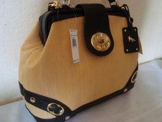Emma Fox Handbags are my favorites. Fox Purse, Fox Bag, Emma Fox, Just For Fun, Michael Kors Hamilton, Handbag Accessories, Purses And Handbags, Style Me, Addiction