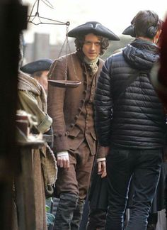 Outlander season 3 behind-the-scenes photos, including this photo of Cesar Domboy as Fergus in Outlander costume. Fergus Outlander, Outlander Book 3, Outlander Season 3, Outlander Casting, Starz Series, Tv Series, Laura Donnelly, Popular Book Series, The Fiery Cross