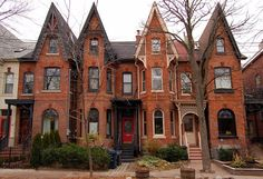 Victorian row houses in Cabbagetown. the largest preserved Victorian neighbourhood in ALL of North America Victorian Townhouse, Victorian London, Victorian Homes, Victorian Era, Victorian Fashion, Townhouse Exterior, Toronto Houses, Toronto City, Second Empire