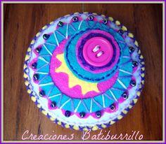 CREACIONES BATIBURRILLO: AIRES CIRCENSES - BROCHE FIELTRO Y BORDADO