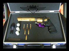 Waffe vergoldet von Dirk Heerdegen #tifoo #gun #gold #goldplated