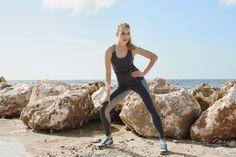Ontdek deze nieuwe, stijlvolle collectie voor activiteiten als yoga, pilates en body-balance. Maar ook je professionele hardloopoutfit vind je bij Livera. De Yoga collectie heeft veel draagcomfort. Bij het ontwerpen en de keuze van de stoffen wordt veel aandacht besteed aan de gevoelsbeleving tijdens het dragen. Door de fijne stoffen is het ook na yoga, het sporten of een wellness bezoek heerlijk flaneren in deze outfit.