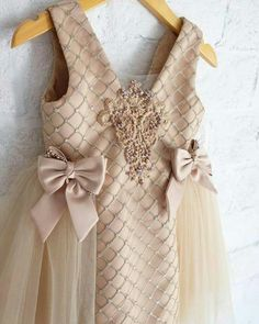 107 Likes, 8 Comments - Baby Girl Fashion, Toddler Fashion, Kids Fashion, Dresses Kids Girl, Kids Outfits, Flower Girl Dresses, Girls, Toddler Dress, Baby Dress