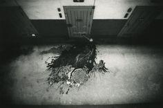 奈良原一高《「王国」より壁の中》1956-58年
