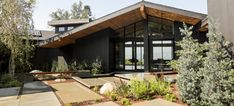 Know Your Home: Mid-Century Modern Style | West | South Ranch Exterior, Modern Exterior, Exterior Design, Black Exterior, Exterior Remodel, Exterior Paint, Modern Rustic Homes, Midcentury Modern, Midcentury Ranch