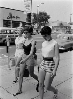 Tenue de danse swing fringue rock n roll How to Create a Vintage Style Home Decor Vintage f Moda Vintage, Vintage Mode, Vintage Ladies, Retro Vintage, Vintage Woman, Vintage Friends, Retro Baby, Retro Girls, Vintage Cars