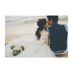 Tips For Planning The Perfect Wedding Day. A wedding should be a joyous occasion for everyone involved. The tips you are about to read are essential for planning and executing a wedding that is both Budget Wedding, Wedding Tips, Wedding Events, Wedding Planning, Wedding Photography Poses, Wedding Poses, Wedding Photoshoot, Hawaii Wedding, Wedding Pictures
