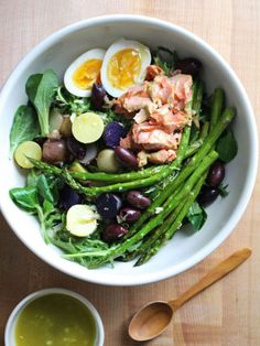 5 Healthy Summer Salads That We Can't Wait To Try #refinery29  http://www.refinery29.com/crunchy-radish/38