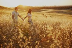 Simply Romantic – Field Engagement Photo Ideas - This Modern Romance