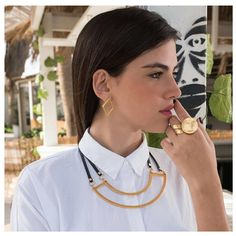 Going to a business meeting? Channeling the independent woan that you always have been? Pair your favorite white top with fun gold accessories. Smart is also fun! Grab them now at IceCarats.com. A 10% discount is waiting for you once you use code INSTALOVE.  #icecarats #jewelry #fashion #accessories #jewelryjunky #latestfashion #trending #fashiontrends #affordablefashion #lookbook #fashionbloggers #bloggerstyle #bestseller #instaglam #instastyle #wiw #jewelrylover #ootd #streetstyle…