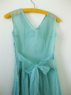 dots_60s-dress_back