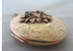 Vintage 1975 9ct Gold Double Pendant Locket Sapphire Flower Detail