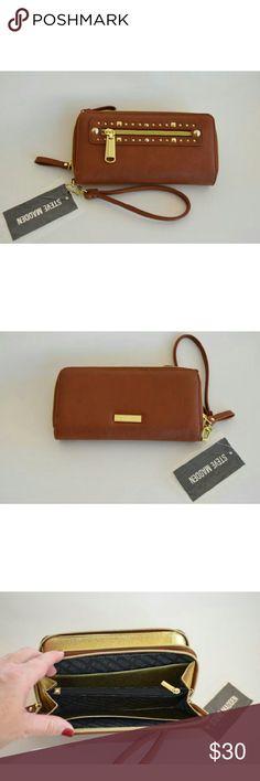 Selling this NWT Steve Madden wraist clutch wallet on Poshmark! My username is: linah1991. #shopmycloset #poshmark #fashion #shopping #style #forsale #Steve Madden #Handbags