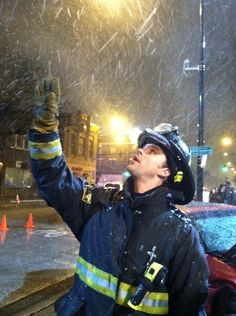 Someone was excited by the snow! #ChicagoFire
