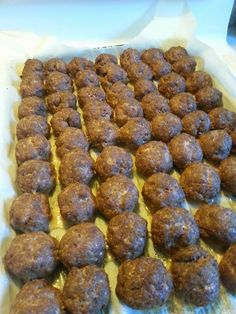 A Side of Sanity: Basic Moose Meatball Recipe - Also for freezer meals! Moose Recipes, Venison Recipes, Meatball Recipes, Game Recipes, Moose Meat, Runner Diet, Scottish Dishes, Base Foods, Game