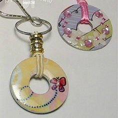 60+ crafts for teenage girls. Easy, cute, creative craft ideas for teens. Ideas for step by step crafts for teenagers. Things to make and sell. Teen bedroom decor crafts. Crafts for best friend gifts. #artsandcraftsforteengirls,