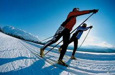 Spend your winter holiday at the Romantic Hotel Im Weissen Rössl at Wolfgangsee and escape the typical stressful time during winter. Outside Activities, Winter Activities, Xc Ski, Nordic Skiing, Cross Country Skiing, Outdoor Recreation, Hiking Trails, Winter Holidays, Snowboarding