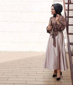 How to renew your style with hijab – Just Trendy Girls Hijab Casual, Hijab Style, Casual Chic, Islamic Fashion, Muslim Fashion, Hijab Fashion, Modest Dresses, Casual Dresses, Formal Dresses