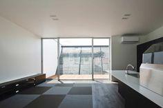 Modern és fekete ház Japánból!,  #belső #fehér #fekete #ház #japán #külső #lakás #modern #otthon24 #Sendai #ultramodern, http://www.otthon24.hu/modern-es-fekete-haz-japanbol/