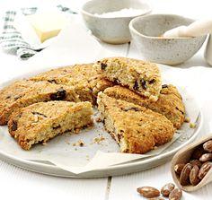 Scones au chocolat et amandes #AuchanEtMoi #auchan Nutrition, Bons Plans, Banana Bread, Biscuits, Muffin, Breakfast, Desserts, Recipes, Food