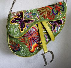 Luxury Purses, Luxury Bags, Dior Saddle Bag, Saddle Bags, Mode Vintage, Vintage Bags, Look Fashion, Fashion Bags, Jewelry Accessories