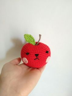 apple amigurumi