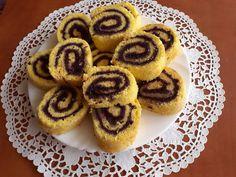 Áfonyalekváros rolád Cookies, Desserts, Food, Crack Crackers, Tailgate Desserts, Deserts, Biscuits, Cookie Recipes, Meals