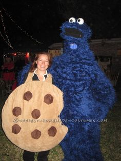 I always love putting together costumes for Halloween. After struggling to figure out how to make this year's costume, I was walking through the fabric sto Cookie Monster Halloween Costume, Cookie Costume, Monster Costumes, Best Friend Halloween Costumes, Halloween 2014, Cute Costumes, Family Halloween, Holidays Halloween, Happy Halloween