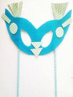 Easy Mardi Gras Mask Craft for Kids!