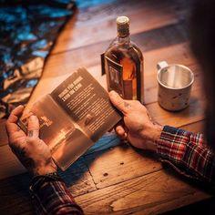 Rumble Harbor  Runde für Runde  Zahn um Zahn  Erfahre alles über jeden der sechs Faustkämpfer vom Brooklyn Navy Yard. Das Booklet mit ihren unglaublichen Geschichten liegt jeder Flasche bei. Im Webshop erhältlich auf copper-and-brave.de  #rumbleharbor #copperandbrave #rum #cocktails #drinks #design #bottle #packaging #lifestyle #geschenke #praesente #alkohol #alcohol #geschenkideen #rezepte #recipes #longdrink #premium #handcrafted #spicedrum #craftspirits #shop #webshop #barkeeper #bar… Rum Cocktails, Brave, Zahn, Shops, Whisky, Brooklyn, Copper, Instagram, Design