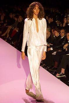 Gucci Spring 2002 Ready-to-Wear Fashion Show - Abbey Shaine, Tom Ford