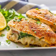These flavor-packed chicken breasts stuffed with prosciutto, spinach and mozzarella cheese make for an easy but elegant dinner! Topped with paprika and Parmesan cheese, this stuffed chicken is sure to be a hit! Ww Recipes, Pork Recipes, Chicken Recipes, Cooking Recipes, Healthy Recipes, Dinner Recipes, Weight Watchers Chicken, Weight Watchers Meals, Cheese Stuffed Chicken