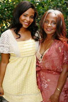 Famous Celebs with Famous Moms Eleanor McCoy & Sanaa Lathan – Like Mother, Like Daughter: 11 Famous Moms And Their Celebrity Offspring 15 Celebs Who Seriously AKim Basinger and IrelandHe's a Mummy's boy! Beautiful Family, Beautiful Black Women, Beautiful People, Beautiful Babies, Celebrity Babies, Celebrity Photos, Black Celebrity News, Celebrity Style, Black Celebrities