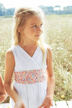 Liberty print sash for a flower girl at the wedding - Liberty print wedding ideas - Liberty print bridesmaid - Pretty Flower Girl Dresses, Little Girl Dresses, Wedding Day Inspiration, Wedding Ideas, Girl Trends, Cute Poses, Wedding With Kids, Fashion Moda, Kids Fashion