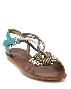 hurry up spring so i can wear my fave sandals