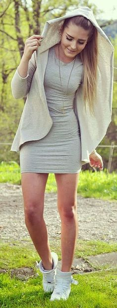 Grey Dress Young Streetstyle