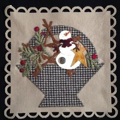 """Glad Tidings"" Basket 2 from Pretty Penny Precuts Wool Applique Patterns, Felt Applique, Applique Quilts, Quilt Patterns, Christmas Applique, Christmas Patterns, Quilting Projects, Felt Projects, Wool Quilts"