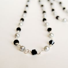 A simple necklace tutorial from Simple Crafter -- Great for beginners!