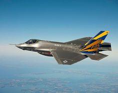 F-35 Lightning II        El F-35 Lightning II es el único caza polivalente de quinta generación perteneciente a un programa de desarrollo internacional. Su agilidad extrema y capacidades de sigilo, junto con el paquete integrado de sensores y modernas armas, proporcionan al F-35 una clara ventaja táctica sobre el resto de los aviones de combate en el mundo