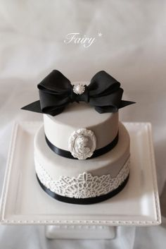Fancy Cakes, Mini Cakes, Cupcake Cakes, Coco Chanel Cake, Cakes For Women, Wedding Cakes With Flowers, Sugar Craft, Holiday Cakes, Creative Cakes