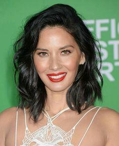 Eu sei que a beleza ajuda, mas que produção, hein Olivia?!🌟 #beautiful #oliviamunn #inspiration #fashion #makeup #hairstyle