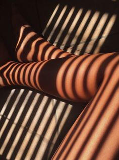 Moral turpitude enlightenment Federalist Essays defined in Aesthetic Body, Black Girl Aesthetic, Brown Aesthetic, Aesthetic Photo, Shadow Photography, Body Photography, Foto Pose, Photo Instagram, Brown Skin