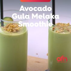 Take a look at this avocado shake that is sweetened with Gula Melaka. This luscious smoothie for cooling yourself during hot afternoons. Avocado Shake, Avocado Smoothie, Shake Recipes, Clean Recipes, Cooking Recipes, Smoothie Ingredients, Smoothie Recipes, Amazing Food Videos, Avocado Dessert
