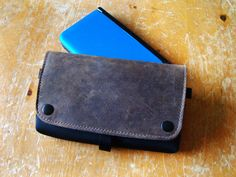 Cradle your 3DS in this classy cocoon of leather goodness | via @CultofMac | Purchase: http://www.sfbags.com/products/nintendo-3ds-xl-cityslicker-case