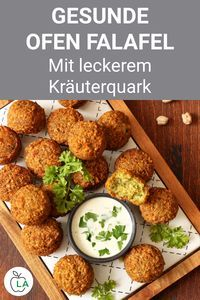 Healthy oven falafel with herb curd - fitness recipe for a .- These oven falafel are a healthy fitness recipe for losing weight. Check out the instructions for the vegetarian dinner here. Le Diner, Evening Meals, Mushroom Recipes, Natural, Clean Eating, Eating Healthy, Healthy Fit, Low Carb, Dinner Recipes