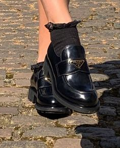 Fashion Tips For Teenagers .Fashion Tips For Teenagers Dr Shoes, Sock Shoes, Me Too Shoes, Shoes Heels, Prada Shoes, Shoes Sneakers, Aesthetic Shoes, Aesthetic Clothes, Aesthetic Outfit
