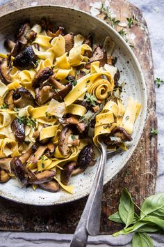 Herby Buttered Wild Mushroom Tagliatelle Pasta is part of Ranch Veggie pizza Chicken Pasta - This quick and easy pasta dish is perfect for a tasty weeknight meal Easy Pasta Dishes, Easy Pasta Recipes, Dinner Recipes, Easy Meals, Pasta Food, Tilapia Recipes, Picnic Recipes, Picnic Ideas, Picnic Foods